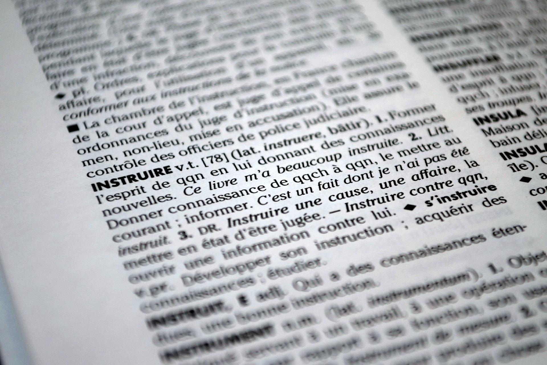 Dictionary 613912 1920